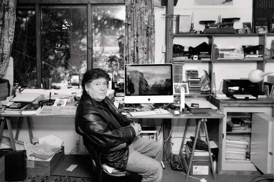 Pierre Pean dans son bureau, en 2017.