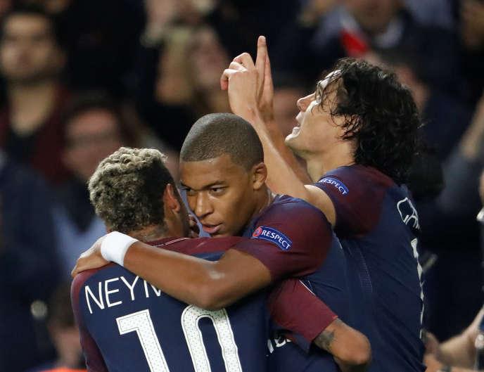Le trio d'attaque du PSG lors d'un match face au Bayern Munich, en 2017.