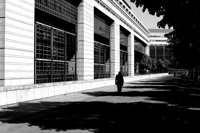 Dans les allées du ministère des finances, à Paris.