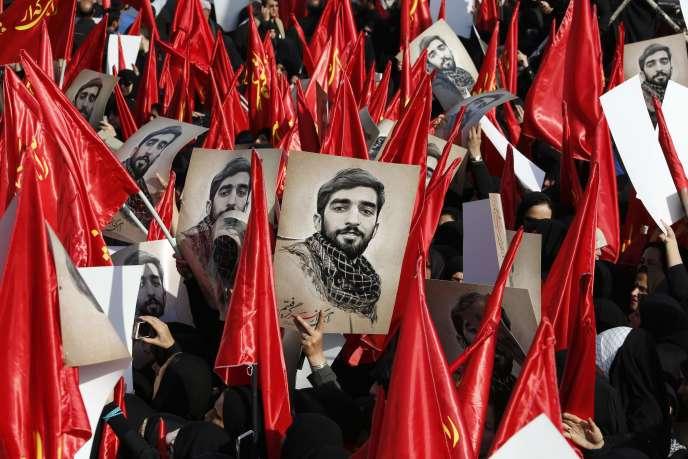 Hommage à Mohsen Hodjadji, membre des Gardiens de la révolution mort en Syrie. A Téhéran, le 27 septembre.