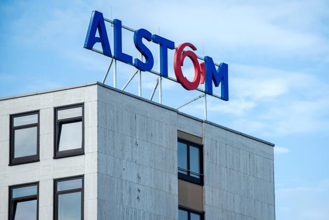 «Le secteur industriel français a ainsi vu disparaître successivement des noms emblématiques comme Pechiney, Arcelor, Alcatel, et il voit maintenant des entreprises prestigieuses se faire absorber par morceaux, comme c'est le cas de Lafarge ou d'Alstom.»
