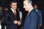 Rifaat Al-Assad (à gauche) et son frère Hafez Al-Assad, dans les années 1980.