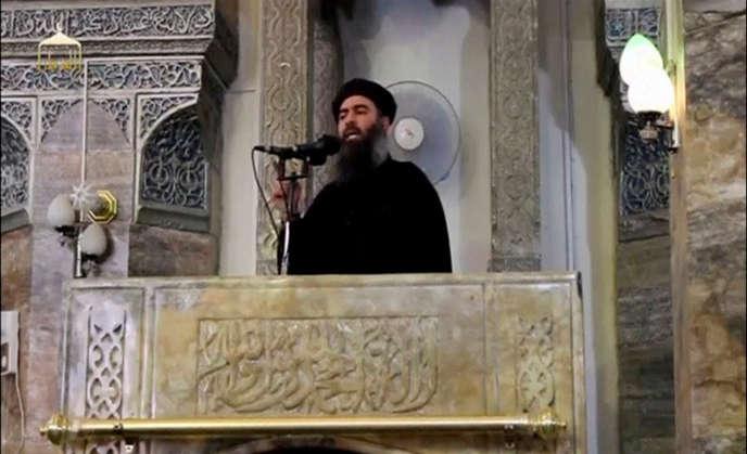 Abou Bakr Al-Baghdadiévoque les défaites de son groupe, parlant du « sang versé à Mossoul, à Syrte, à Rakka, à Ramadi et à Hama ».