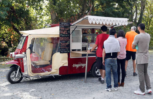 Un food truck dans un parc à Bordeaux, en septembre 2017