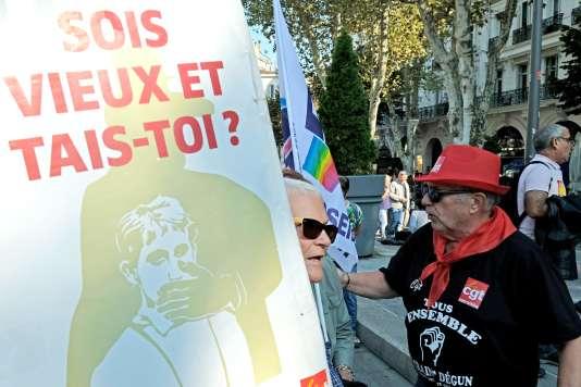 Des retraités manifestent à Marseille (Bouches-du-Rhône), le 26 septembre.