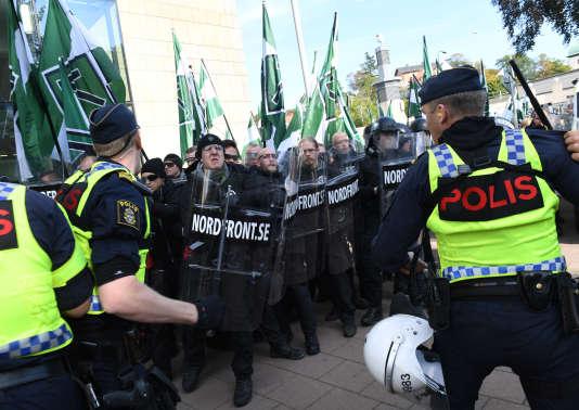 Manifestation de néonazis suédois, à Göteborg, samedi 30 septembre.
