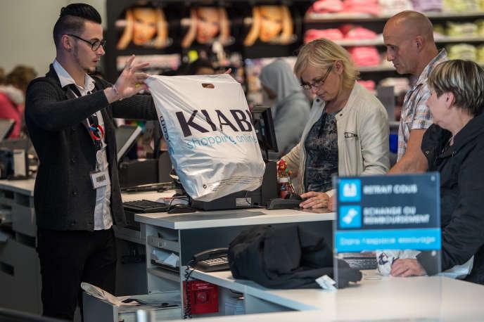 5c0095d9ec4 Kiabi vient empiéter sur les plates-bandes de l espagnol Zara