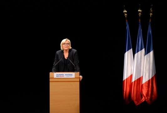Discours de Marine Le Pen, à Chasseneuil-du-Poitou (Vienne), le dimanche 1er octobre.