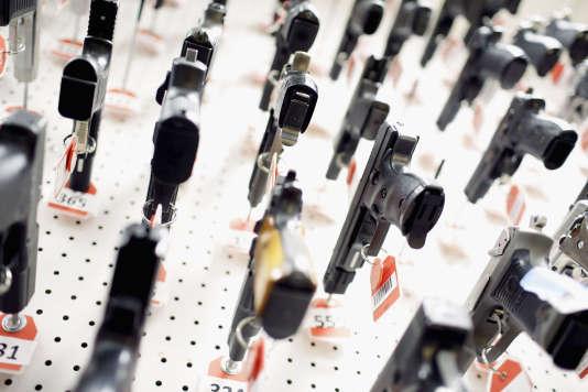 Des armes de poing, dans un commissariat du Maryland, en 2013.