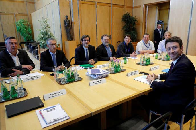 Le secrétaire d'Etat Benjamin Griveaux a rencontré les représentants des salariés, lundi 2 octobre, au ministère des finances à Paris.