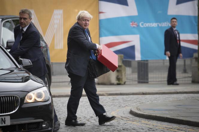 Le ministre des affaires étrangères, Boris Johnson, arrive aucongrès du Parti conservateur britannique, à Manchester le 1er octobre.