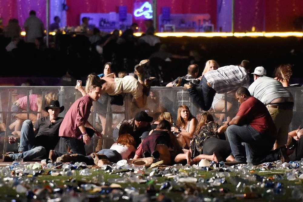 Selon les premiers témoignages, des coups de feu ont été tirés contre des personnes venues assister au concert du chanteur Jason Aldean lors du festival de musique country Route91Harvest, dimanche soir.