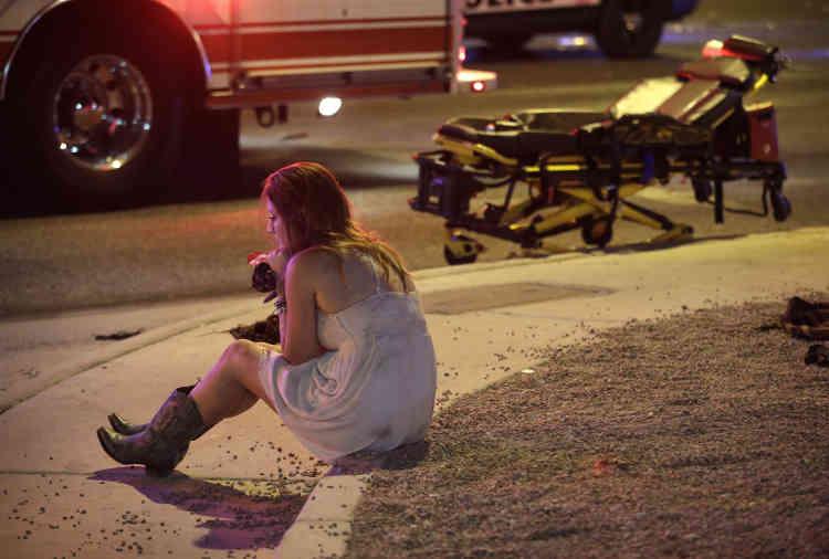 Le shérif du comté, Joseph Lombardo,a indiqué que dix fusils ont été retrouvés dans la chambre louée par le tireur.