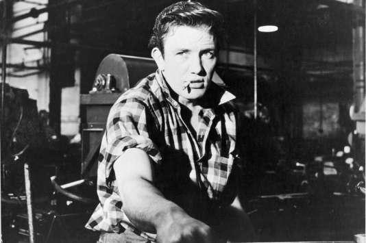 Albert Finney dans le film britannique deKarel Reisz,«Samedi soir dimanche matin» («Saturday Night and Sunday Morning»), réalisé en 1961.
