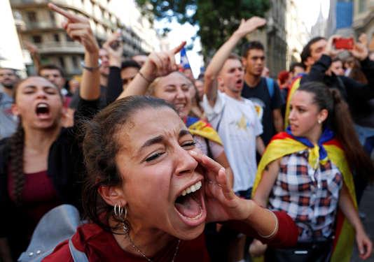 Manifestations pour l'indépendance de la Catalogne, au lendemain du référendum d'autodétermination, à Barcelone le 2 octobre.