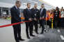 Emmanuel Macron et des dirigeants d'Amazon lors de l'inauguration dusite logistique d'Amiens-Boves (Somme), mardi 3 octobre 2017.