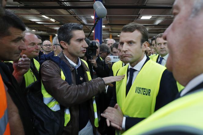 François Ruffin et Emmanuel Macron, à Amiens, le 3 octobre.