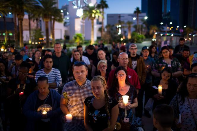 Rassemblement en hommage aux victimes de la fusillade du« strip», à Las Vegas (Nevada), le 2 octobre.