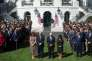 Le président américain, Donald Trump, et le vice-président, Mike Pence, accompagnés de leurs épouses respectives, à la Maison Blanche, le 2 octobre.