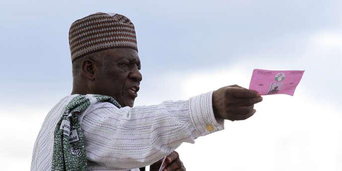A Yaoundé, John Fru Ndi, du parti d'oppositionSocial Democratic Front (SDF), lors de l'élection présidentielle de 2011 pour laquelle il était candidat.