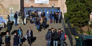 « Si les embouteillages incessants deviennent leur quotidien, si leurs conditions de travail sont insupportables, nos chercheurs et ingénieurs finiront par prendre, comme bien d'autres avant eux, le chemin des universités étrangères» (Université Paris-Sud Paris-Saclay).