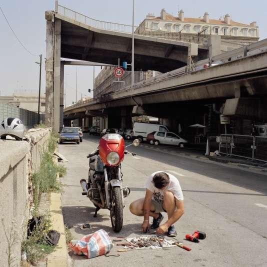Brigitte Bauer.«Marseille 34 (850-02)». Mission photographique Euroméditerranée. Série «Marseille», 2002.