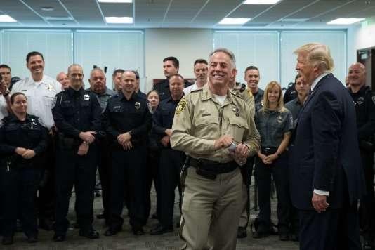 Donald Trump a rencontré le shérif du comté Joe Lombardo dans les sièges de la police de Las Vegas, le 4 octobre.