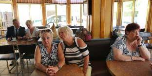 Marlène (à gauche) et son amie Nadine,au Chalet du touriste de Bray-Dunes, le 25 mai.