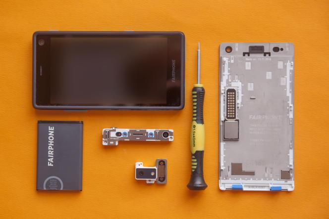 Le Fairphone : un modèle de smartphone durable, construit et conçu pour en changer facilement les composants usés.