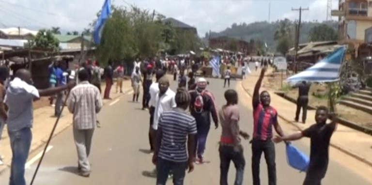 Le 1er octobre 2017 à Bamenda, des Camerounais anglophones proclament leur «indépendance» symbolique (capture d'écran).