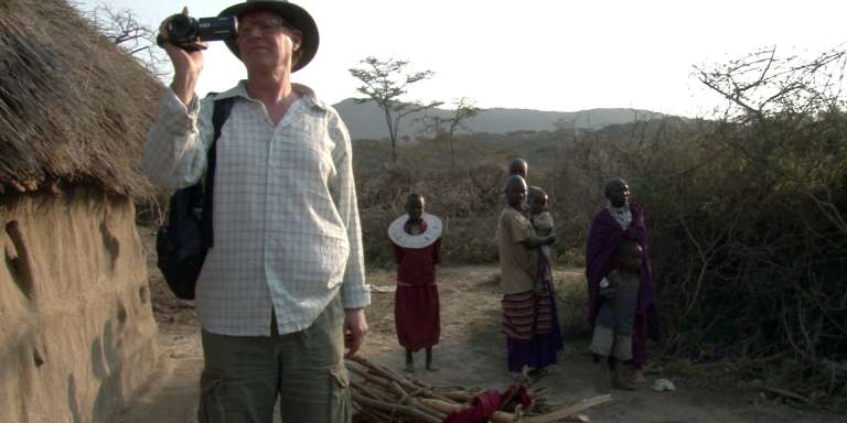 Dans le film «Eliamani's Homestead», des touristes hollandais visitent un village pauvre de Masai en Tanzanie.