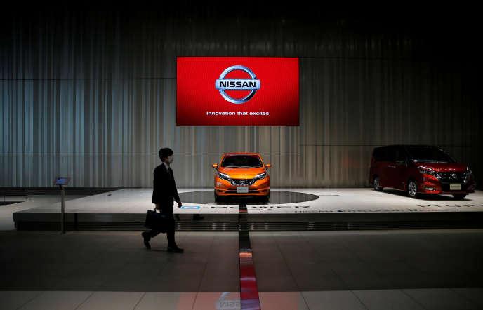 Dans un showroom de Nissan, à Yokohama, au Japon, le 11 mai.