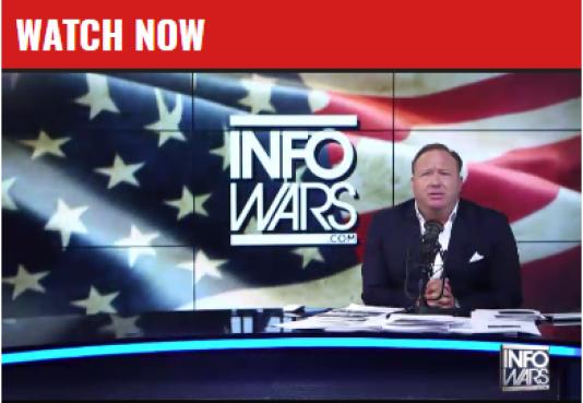 Alex Jones, figure emblématique de l'extrême droite américaine, lors de son émission en direct.