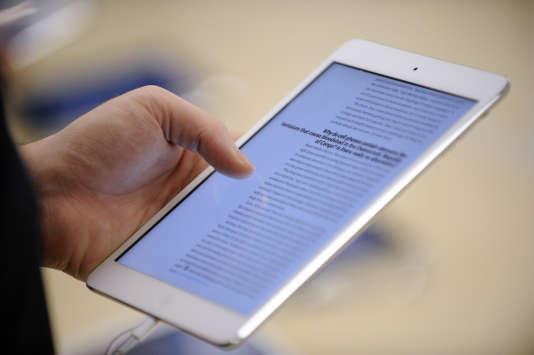 L'iPad mini d'Apple se prête à la lecture en plus de ses autres fonctionnalités.