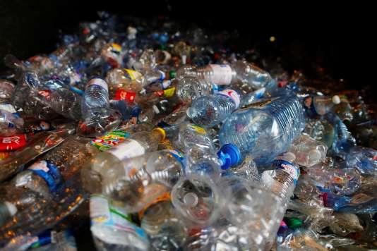 Veolia s'est fixé pour objectif de passer de 200 millions à 1 milliard d'euros de chiffre d'affaires dans le recyclage des plastiques en 2025 (hors collecte et tri).