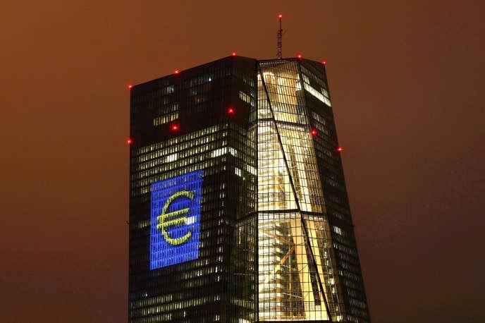«Plutôt que de l'abondance de liquidités, c'est cet excès de la demande sur l'offre qui est la cause directe de la hausse des prix tant recherchée aujourd'hui» (Photo: la Banque centrale européenne, à Francfort, en 2016).