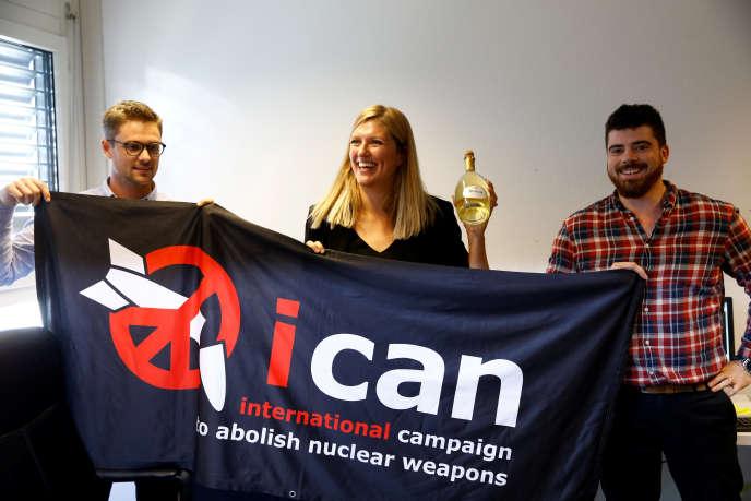L'équipe dirigeante de l'ICAN se réjouit de l'attribution du Nobel de la paix, le 6octobre 2017.