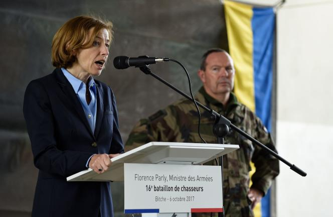 La ministre de la défense française, Florence Parly, lors d'une visite du 16ebataillon de chasseurs, à Bitche, en octobre 2017.