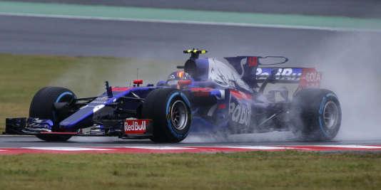 Dernier tours de roues pour Carlos Sainz Jr. sous les couleurs de Toro Rosso à Suzuka, ici le 6 octobre, avant de passer chez Renault.
