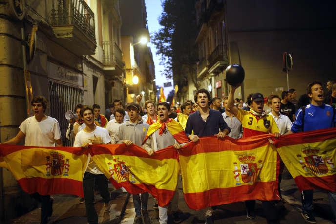 Une manifestation contre l'indépendance de la Catalogne, mardi 3 octobre, à Barcelone.