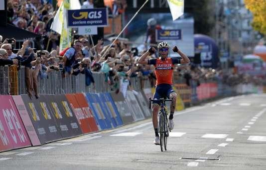 Vincenzo Nibali a remporté pour la deuxième fois de sa carrière le Tour de Lombardie.