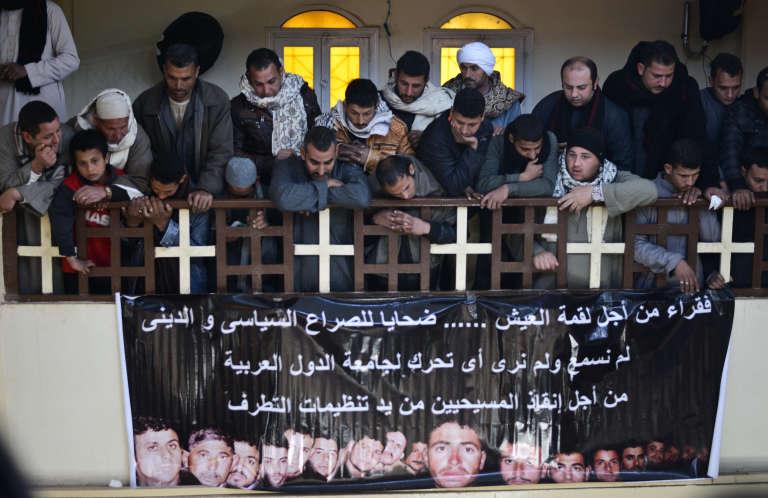 L'exécution, par le groupe Etat islamique, de chrétiens coptes en Libye avait provoqué un émoi important en février 2015 (ici dans le village d'Al-Awar, en Egypte).