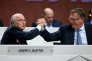 Jérôme Valcke (à droite) et Sepp Blatter au congrès de la FIFA, à Zurich (Suisse), le 29 mai 2015.