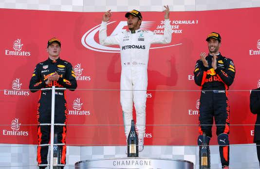 En remportant le Grand Prix du Japon, le 8 octobre, le pilote Mercedes Lewis Hamilton a fait un grand pas vers le titre.