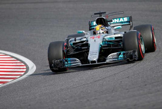 Lewis hamilton remporte le grand prix du japon de formule 1 for Prix chambre formule 1