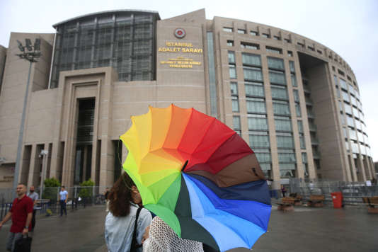 La cour de justice d'Istanbul où les onze militants seront jugés, le 17 juillet.