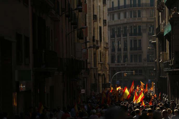 Manifestation hostile à l'indépendance, le 8 octobre à Barcelone.