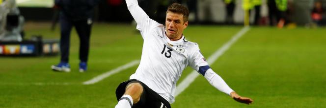 Thomas Müller, ici le 8 octobre, et ses coéquipiers défendront leur titre en Russie.