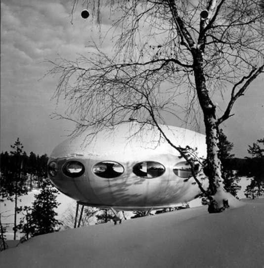 La maison Futuro (1968) de l'architecte finlandais Matti Suuronen, vendue 168000 euros par Christie's en 2007.
