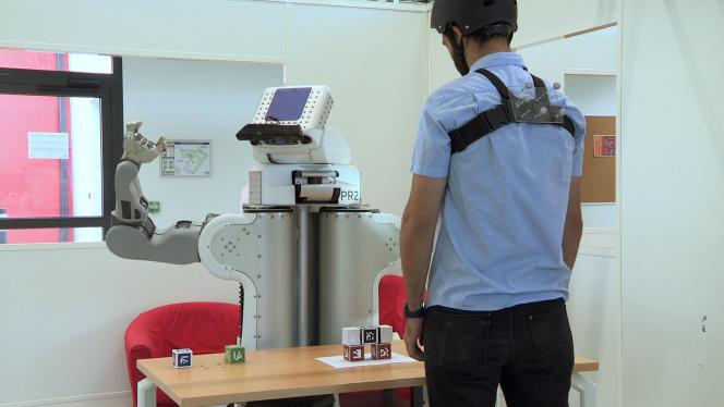 La co-botique expérimentée au Laas-CNRS de Toulouse cible aussi les services à la personne.